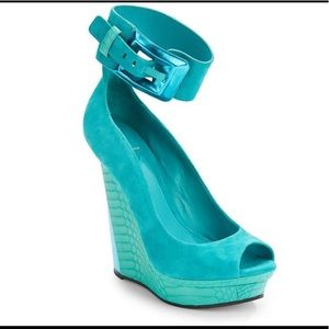 B Brian Atwood Alouette Turquoise wedge